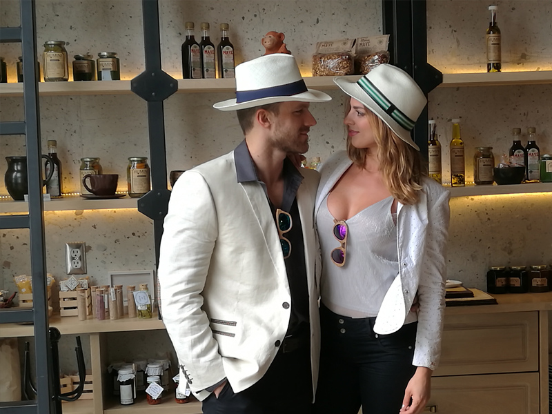 couple-panama-hat